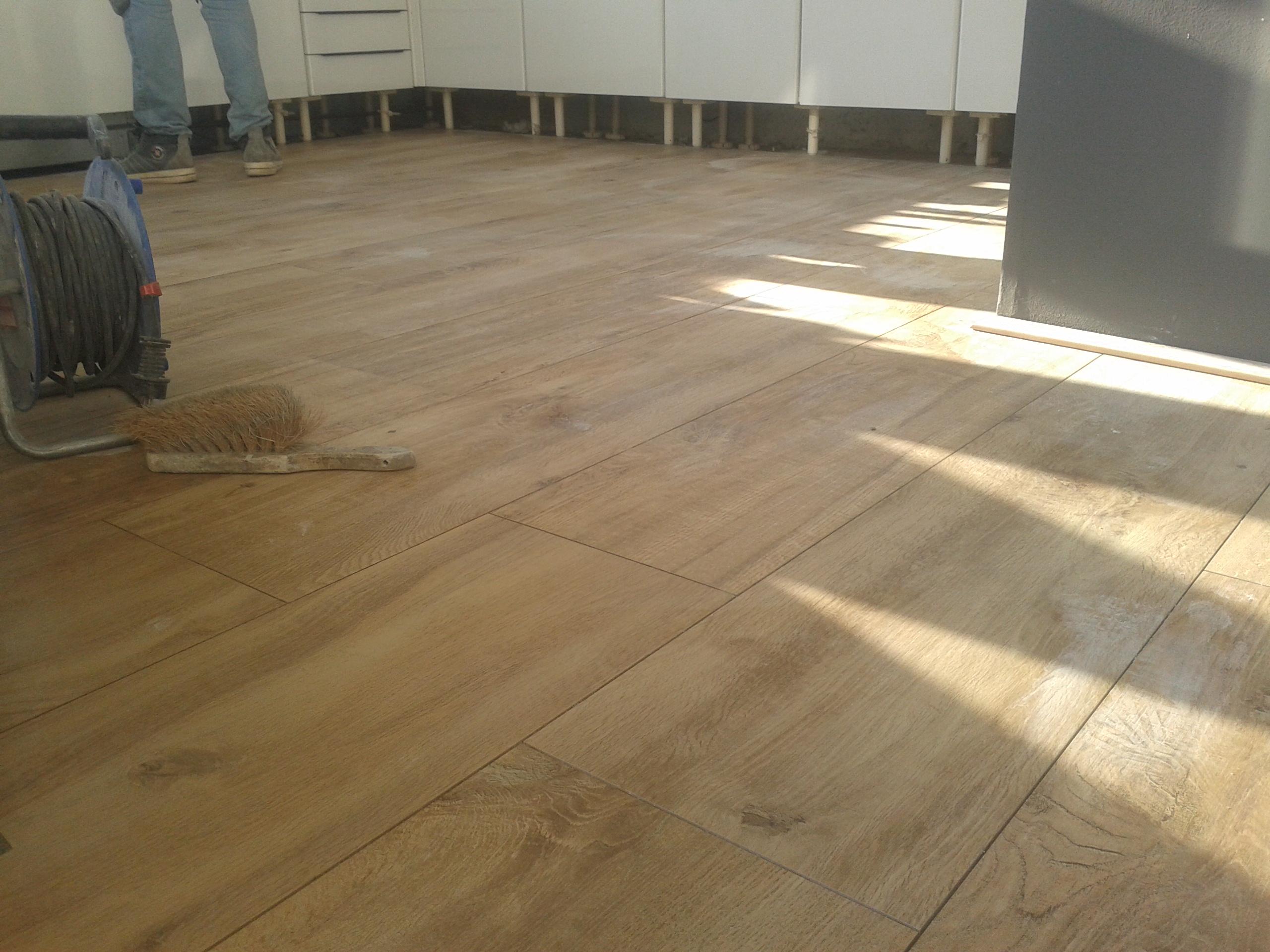 Tegelzetter helvoirt houtlook vloertegels leggen vloertegels
